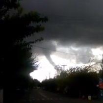 No alcanzó a tocar tierra: video captó tornado en la región de Ñuble
