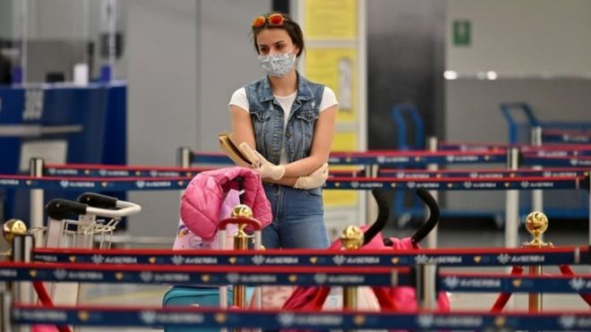 Vuelos en época de coronavirus: qué medidas concretas tomarán las aerolíneas (y por qué algunas generan polémica)