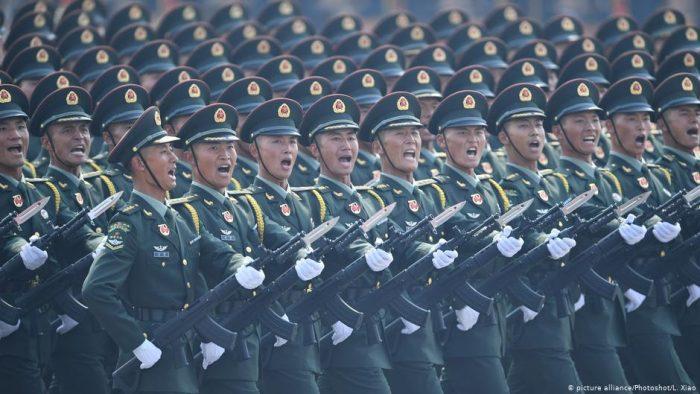 Gasto en defensa de China se ralentiza en 2020, pero aun así crece
