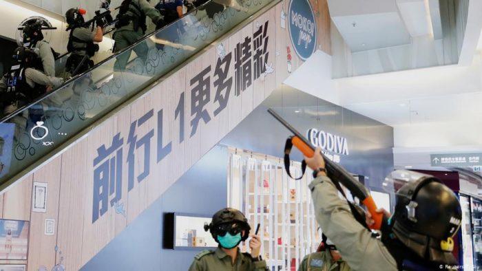 Nuevas protestas en Hong Kong se saldan con 18 hospitalizados y 250 detenidos