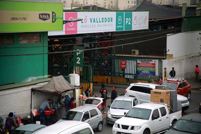 Gobierno informó que La Vega Central y Lo Valledor solo recibirán comerciantes mayoristas y minoristas durante la cuarentena