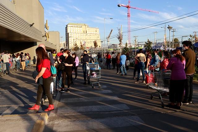 Ventas presenciales registran brusca e histórica durante abril: CNC llama a impulsar un plan para