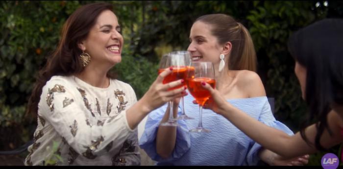 """Película chilena """"Mujeres Arriba"""" se posiciona como lo más visto en el país a sólo dos días de llegar a la plataforma de Netflix"""