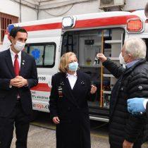 Donan primeras ambulancias 100% eléctricas a la Cruz Roja para hacer frente al coronavirus