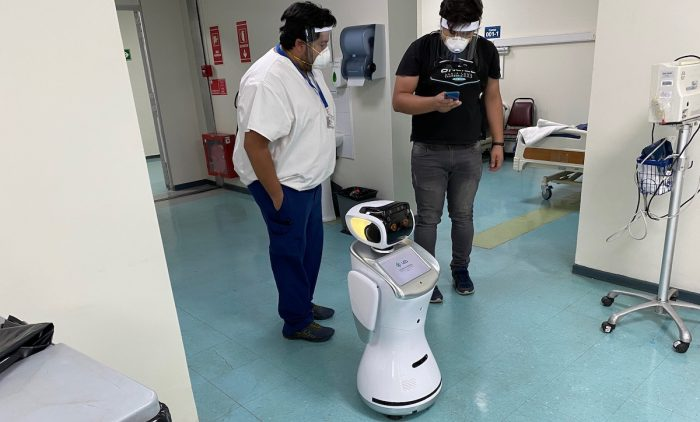 Novedoso robot se suma al combate contra el Covid-19