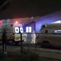Sirenas activadas en modo de protesta: denuncian que pacientes deben esperar hasta 12 horas en ambulancia para poder ser atendidos en Hospital El Pino
