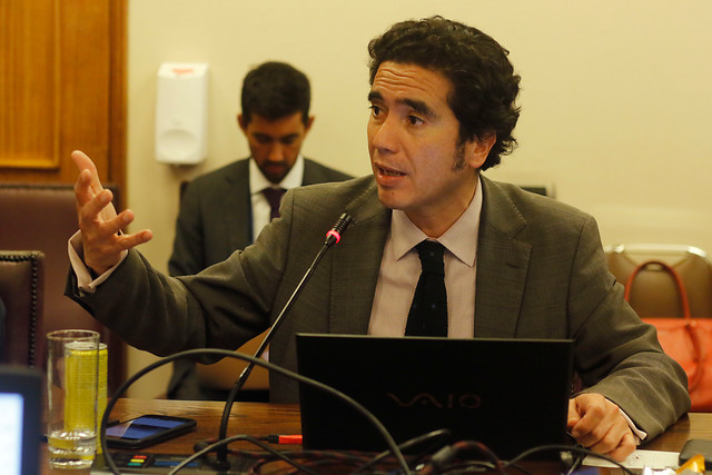 """Plan de ayuda del Gobierno para las """"grandes empresas estratégicas"""" despierta críticas en la oposición por su falta de claridad y excesivo foco en Latam"""