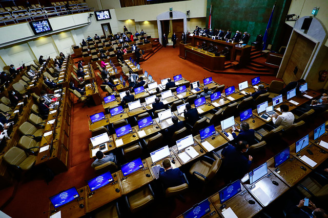 Ingreso Familiar de Emergencia: veto de Piñera sortea la valla de la Cámara y pasa al Senado