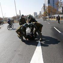Día del Trabajador: Carabineros detiene a dirigentes y prensa en Plaza de la Dignidad y frente a la CUT