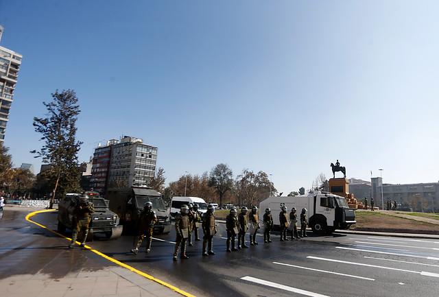 Carabineros confirma caso de Covid-19 entre detenidos hoy en Plaza de la Dignidad