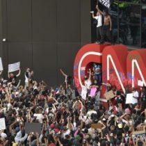 Protestas por la muerte de George Floyd llegan a las puertas de CNN en Atlanta