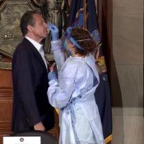 El gobernador de Nueva York se somete a un test de coronavirus en directo por TV