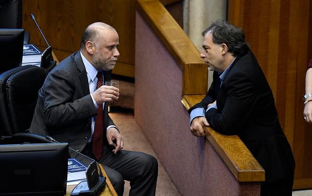 Fracaso de la retroactividad en el Senado enciende debate entre parlamentarios y anticipa un duro trámite en comisión mixta