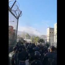 Intento de motín en Colina 1: Gendarmería asegura que la situación está bajo control y se registran incidentes fuera del recinto
