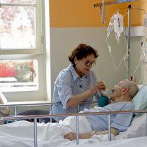 Seremi de Salud de Valparaíso confirma brote de Covid-19 en hospital geriátrico de Limache y alcalde critica la gestión sanitaria