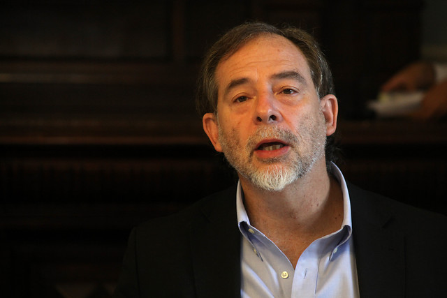 """Senador Girardi respalda decisión de cuarentena total en Santiago y advierte que """"el 80% del éxito del confinamiento depende de las personas"""""""