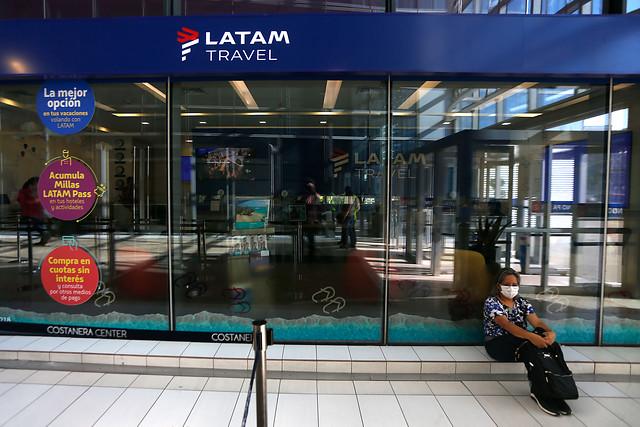 Latam Airlines sigue en picada: aerolínea sufrió hoy un desplome de 44,45% en la Bolsa, su mayor caída histórica