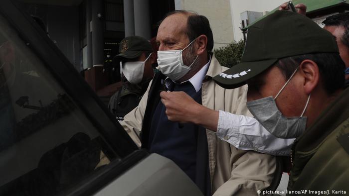 """Exministro de Salud de Bolivia a la cárcel por """"caso respiradores"""""""