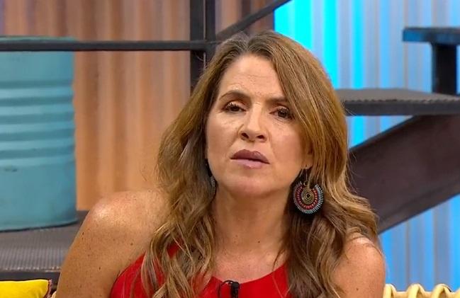 Periodista Monserrat Álvarez da positivo al examen de COVID-19
