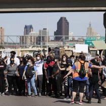 Se registran nuevas protestas en Nueva York tras violenta respuesta policial del sábado
