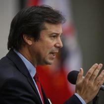 """Ministro Palacios dice que nos vamos a transformar en """"un país bananero, pobre y desigual"""" si se aprueba retiro del 10% de fondos previsionales"""