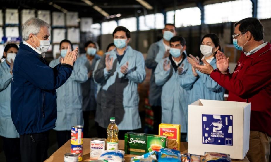 Operación cajas: Piñera visita centro de distribución de programa ...