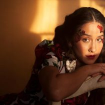 "Denise Rosenthal lanza emotiva canción ""Amor de madre"""