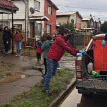 """""""Hay gente que realmente tiene hambre y para eso estamos"""": Pescadores artesanales regalan 200 kilos de reineta para olla común organizada por vecinos de Temuco"""