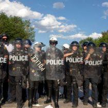 La ambiciosa reforma contra los abusos de la policía que comienza a discutirse en EE.UU. en medio de la histórica ola de protestas