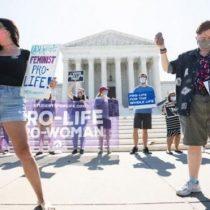 Aborto en EE.UU.: Corte Suprema rechaza una ley que restringía la interrupción del embarazo y da un revés a Donald Trump