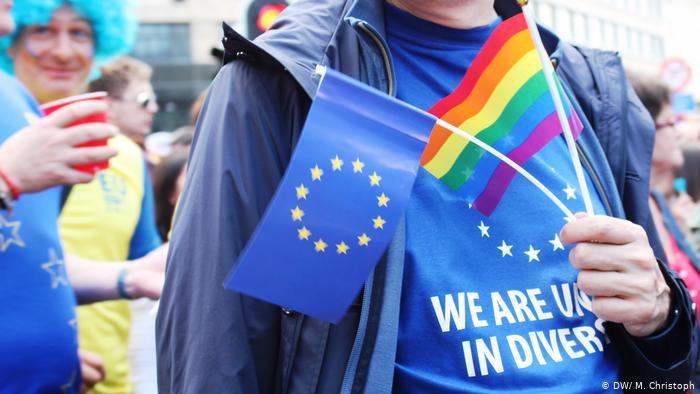 Rumanía: Iglesia Ortodoxa critica a la UE por derechos LGBTI