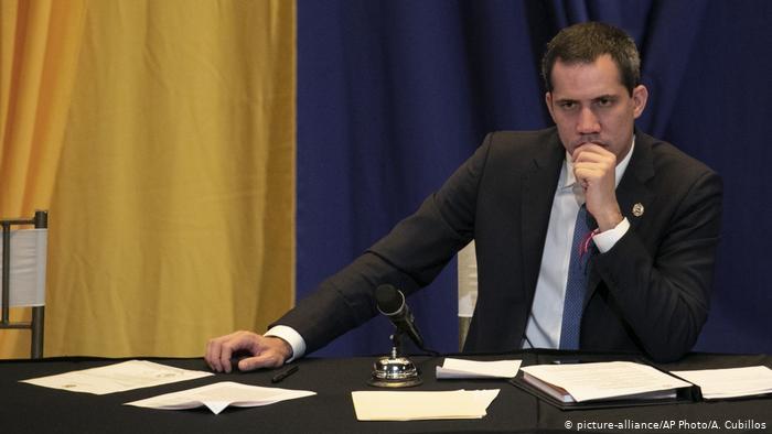 VENEZUELA: Francia niega que Juan Guaidó esté en embajada de Caracas