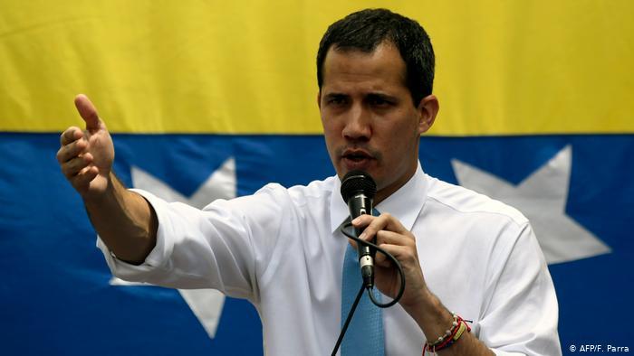 Francia desmiente que Guaidó esté refugiado en su embajada en Caracas