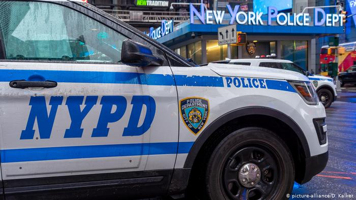 George Floyd: Cámara baja de EE.UU. aprueba proyecto de reforma policial