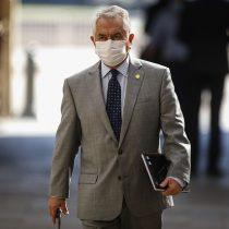 """""""Los pacientes tienen derecho a recibir la mejor atención posible"""": ministro Paris responde denuncia de discriminación contra el Hospital Félix Bulnes"""