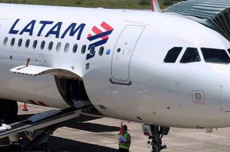 Latam Airlines registra pérdidas por 890 millones de dólares en segundo trimestre por la pandemia
