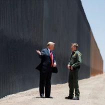 Trump visita muro fronterizo en Arizona en medio de aumento de casos de coronavirus
