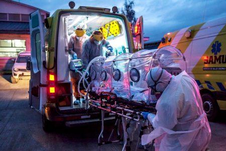 Curva sigue subiendo: Minsal reporta nuevo récord de fallecidos y nuevos contagios diarios superan los 5 mil