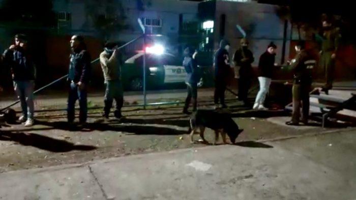 Carabineros detiene a siete jóvenes que realizaba un asado en pleno toque de queda en San Fernando