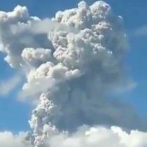 Doble erupción del volcán Merapi en Indonesia genera columna de humo de 6 kms