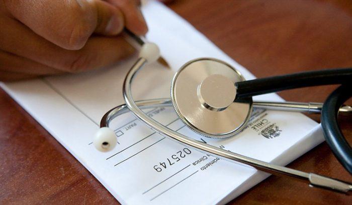Isapres se querellan contra grupo de médicos por eventual emisión de licencias médicas fraudulentas