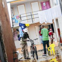 Hacinamiento y precariedad habitacional, un tema abandonado por el Estado