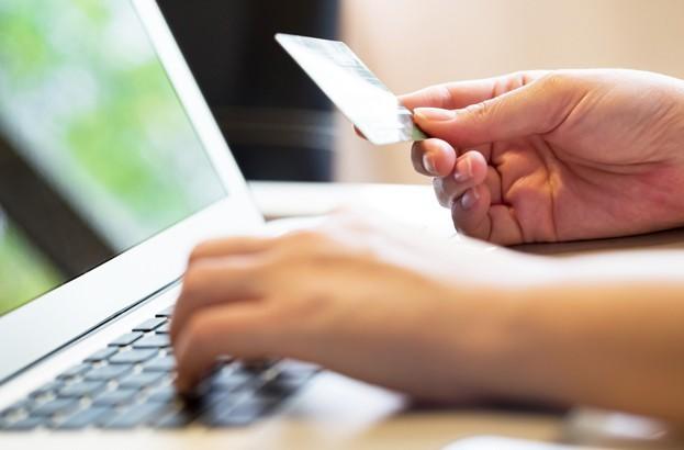 Nuevo engaño mediante anuncios de Facebook busca robar datos de tarjetas de crédito