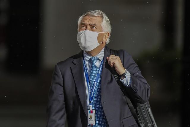 Blindaje a Piñera por funeral VIP le pasa la cuenta a Paris: cae valoración positiva del ministro de Salud