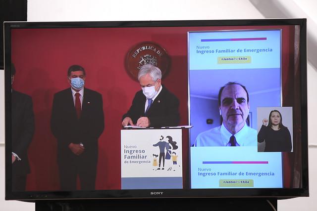 """Piñera firma proyecto que amplía Ingreso Familiar de Emergencia y asegura que el beneficio """"incluye a la clase media"""""""