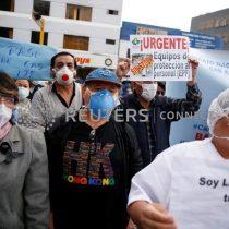 Perú reabre centros comerciales mientras contagios por coronavirus ya superan los 240.000