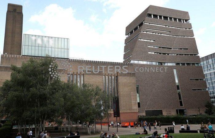 Sentencian a 15 años prisión a adolescente que arrojó a niño francés desde galería de arte de Londres