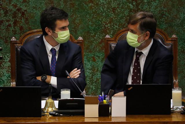 Paulsen no está solo: Undurraga (Evópoli) también sale a rayar la cancha a La Moneda y defiende la autonomía del Congreso