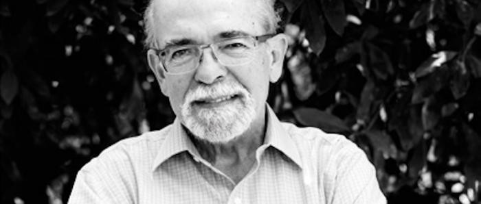 """José Maza invita a un viaje por la historia de la astronomía en su nuevo libro """"Bajo el manto de Urania"""""""