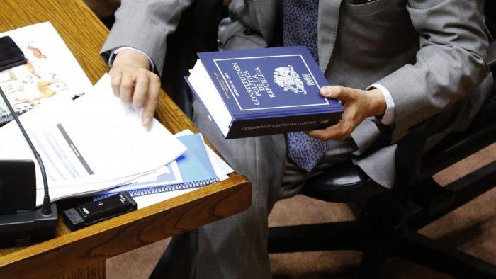 Constitución y AFP: crujen los pilares del modelo